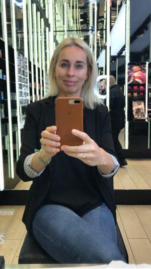 Mac Pro Store, makeover, hud, eyeliner, læber, glød