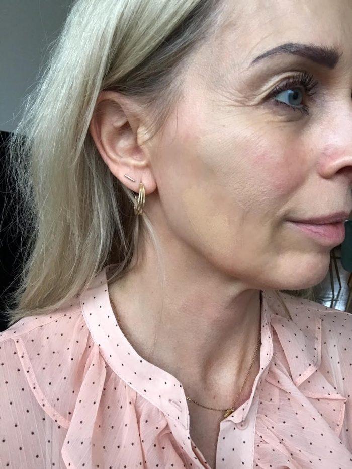 Nilens Jord, forår, forårslook, 2018, makeup, læber, øjne, hud, highlighter, foundation, blush, øjenskygge, læbestift