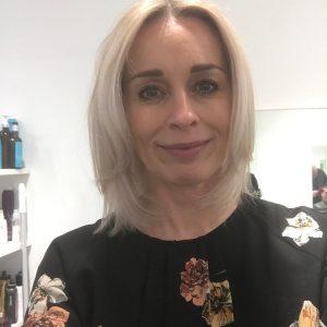 efterbillede-graat-haar-blondt-haar-udgroning-frisoer-saco-3