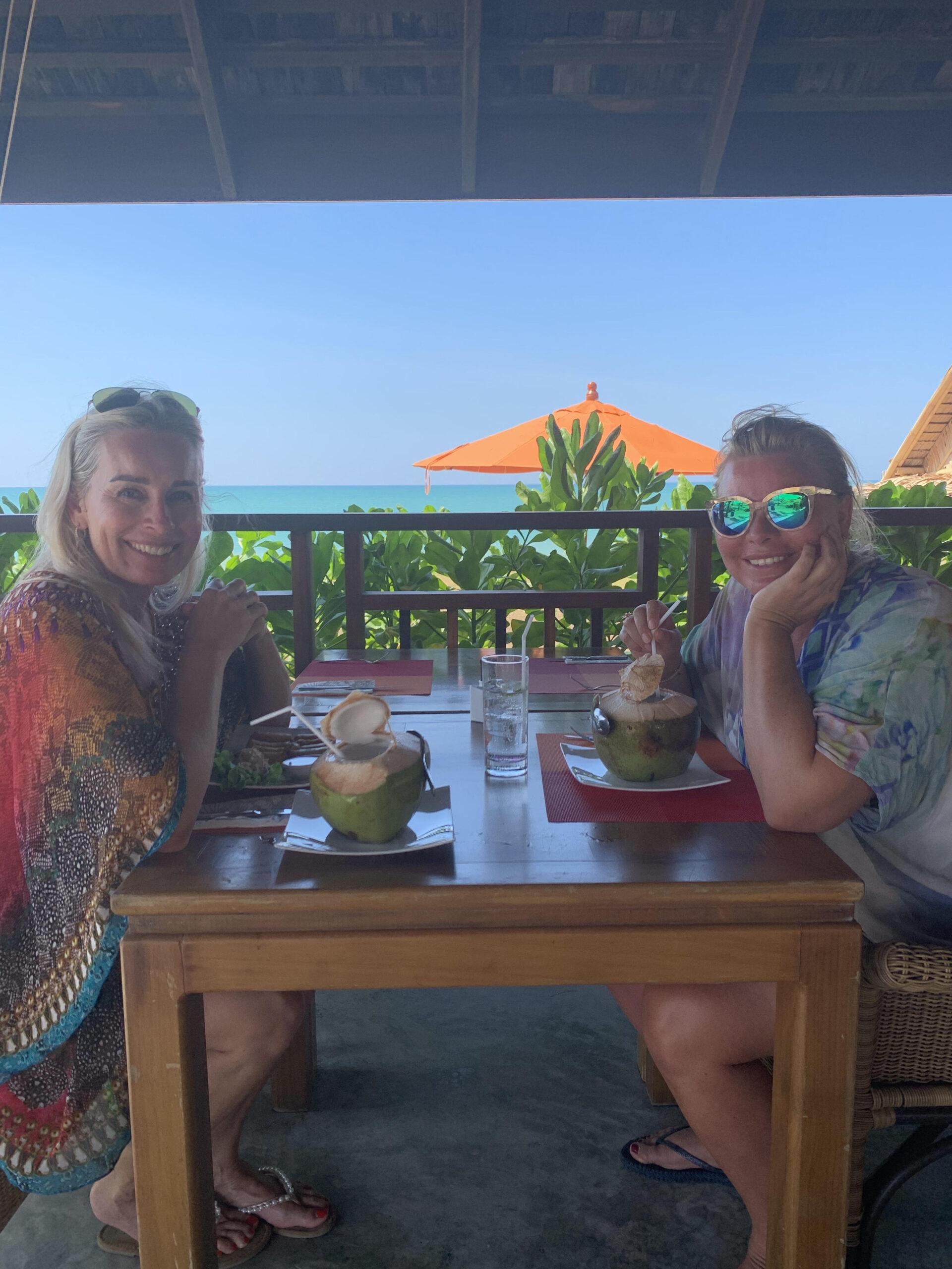 Ferie, strand, frokost, kokosnød