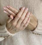 tørre hænder, håndpleje, håndsprit, hænder